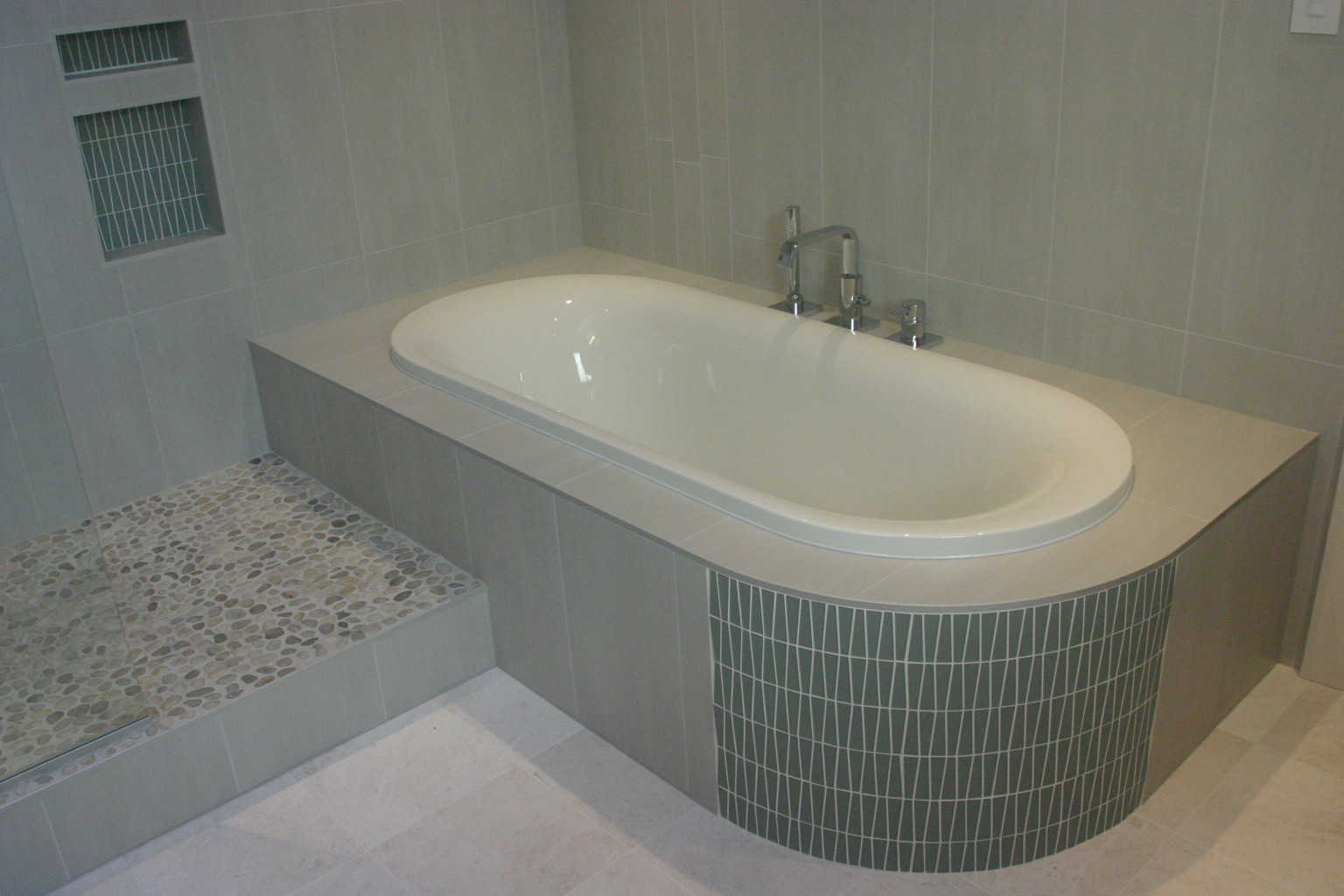 spa bathroom remodel, roman tub